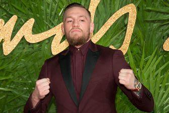 Conor McGregor bij de Fashion Awards 2017