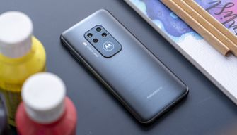 Motorola One Zoom review design achterkant