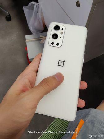 OnePlus 9 Pro in het wit
