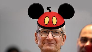 Apple Tim Cook Disney Netflix