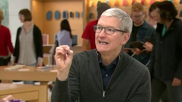 Tim Cook Apple Netflix