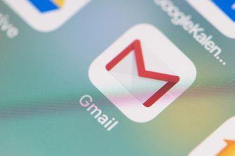 dark mode gmail outlook
