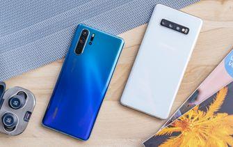 Samsung Galaxy S10 Plus vs Huawei P30 Pro design achter