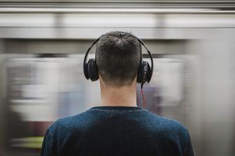 headphones man siri