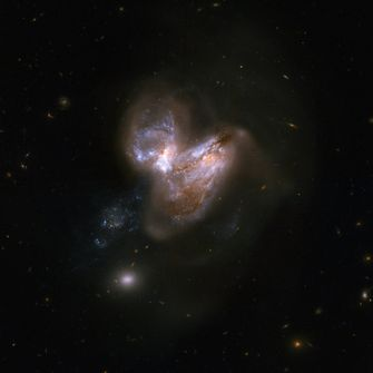 Sterrenstelsel NGC 3690