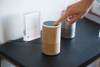 Amazon Echo met Alexa