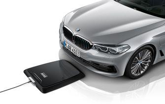 BMW 530e elektrische auto opladen