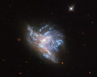 Sterrenstelsel NGC 6052