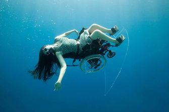 Sue Austin onderwater rolstoel