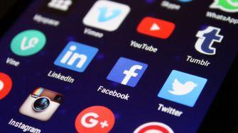 LinkedIn, Facebook, Twitter social media