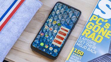 Motorola Moto G8 Plus review design