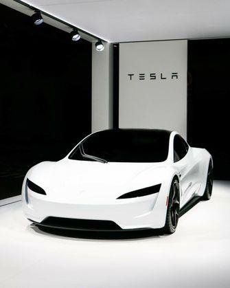 Tesla Roadster wit