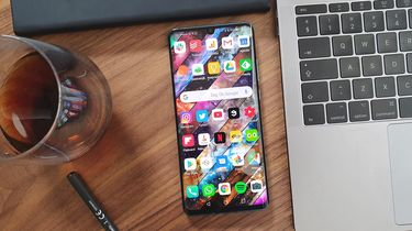 Huawei P30 Pro review design front