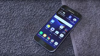 samsung galaxy s7 android smartphone