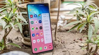 Samsung Galaxy S10 Plus review design