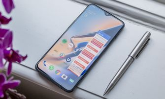 OnePlus 6T review design